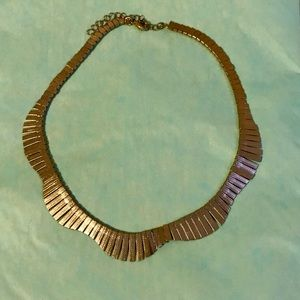 Gold wreath necklace